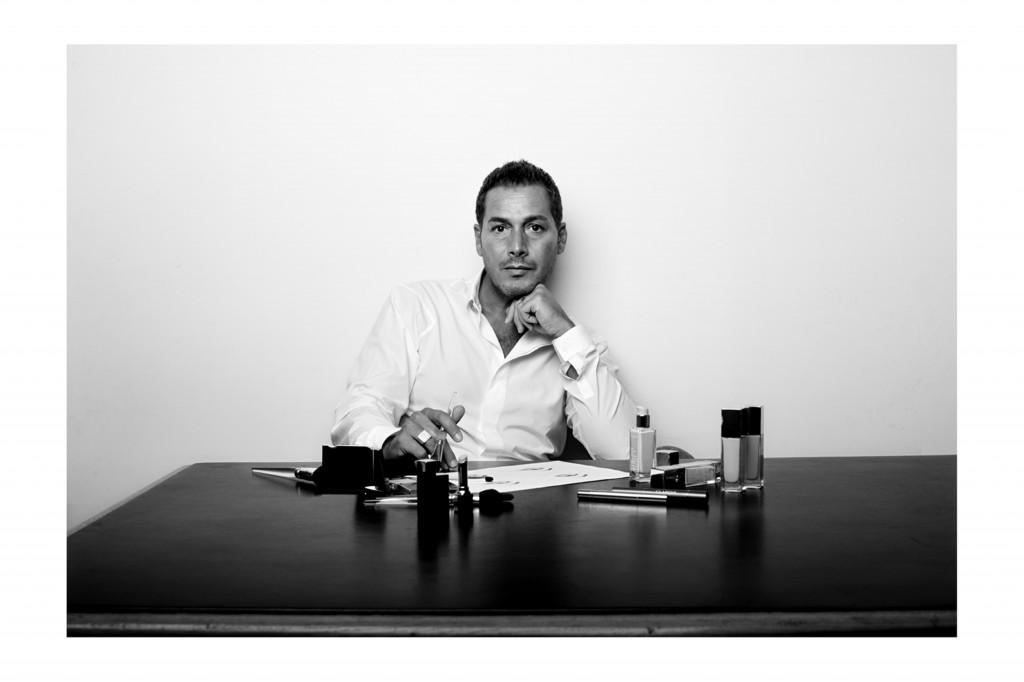 אריק אנטוניוטי המאפר הראשי של קלרינס צילום דיוויד מוריס מאושר לשימוש3