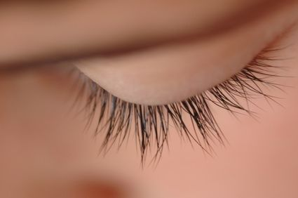 article-new_ehow_images_a06_a8_rj_growth-cycle-eyelashes-800x800