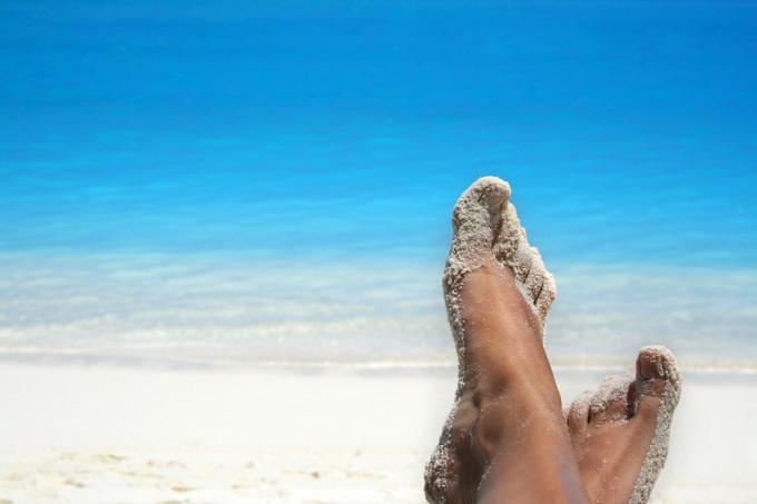 feet-in-sand-680x453
