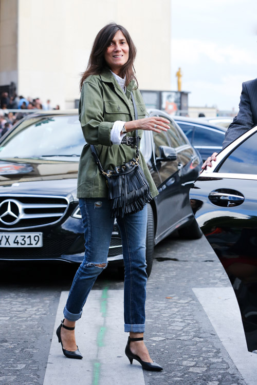 01_emmanuelle_alt_saint_laurent_emmanuelle_bucket_bag_black_Fringe_purse_2014_paris_fashion
