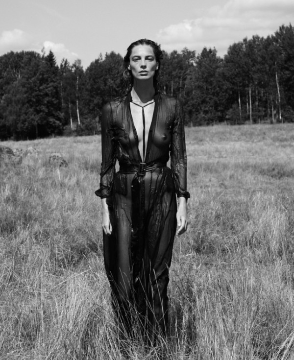 daria-werbowy-by-mikael-jansson-for-interview-magazine-september-2014-1-e1409224929719