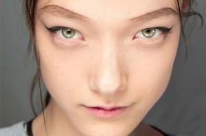 eyeliner at prada