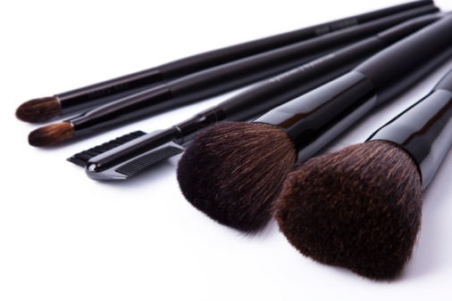 02-27-12-makeup-brushes-on-white-background
