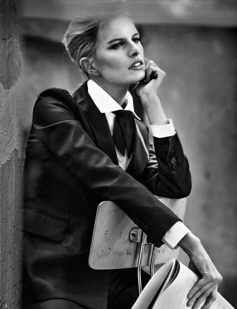 karolina-kurkova-glamour-italy-2016-cover-editorial07